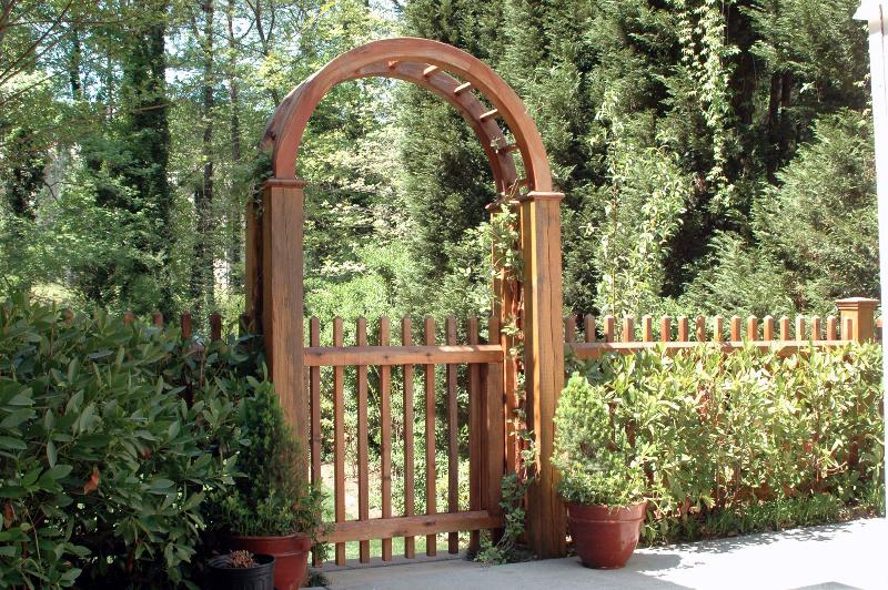 Arbors and Trellises - Allied Fence