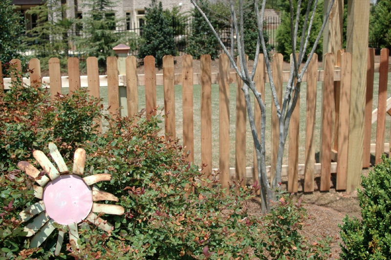 Maryland Commercial Fencing : Virginia Commercial Fences
