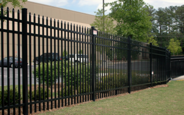 Allience Aluminum Fencing - Arora with Standard Pickets