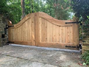 Becker Custom Cedar Gate