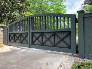 Libby Custom Gate