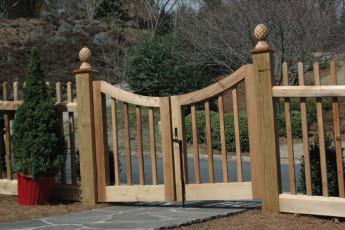 Alta Custom Cedar Gate