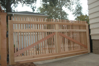 Sierra Custom Cedar Gate