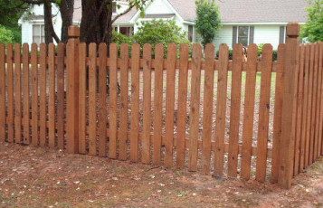 Notched Top Picket Fence