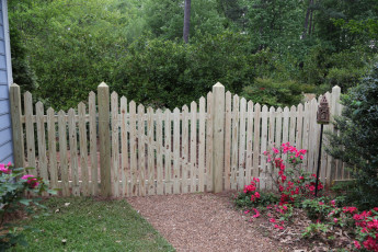 Negative Scallop Picket Fence